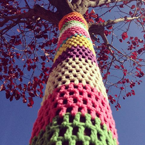 Yarn Bomb Árvore do Almada